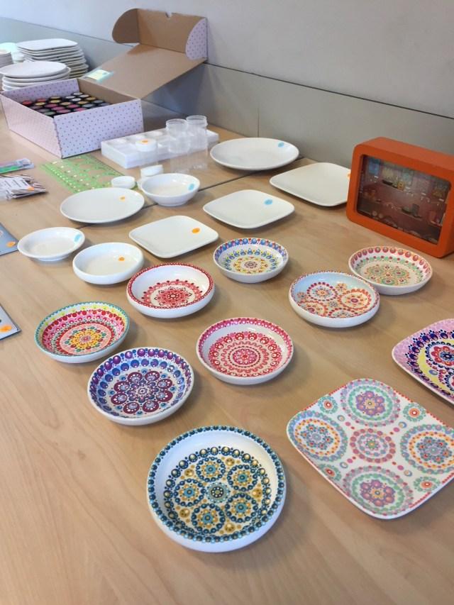 stipstijl-voorbeelden-van-nienke Femma-workshop Stipstijl: handbeschilderd keramiek met polkadots