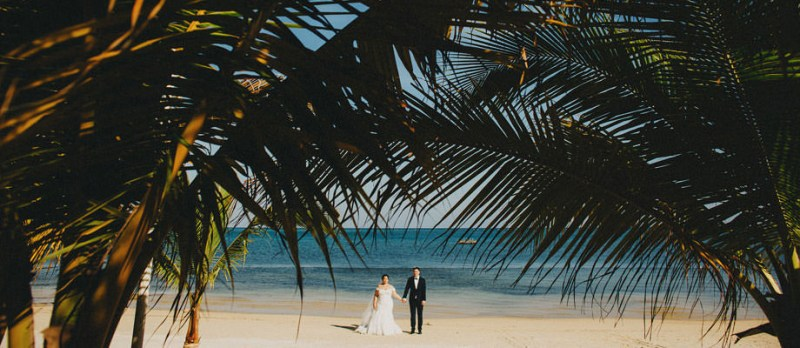 Roatan destination wedding photographer