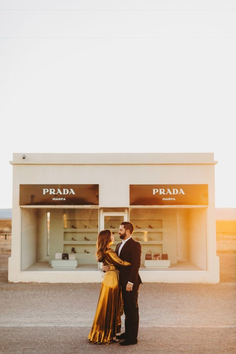 Marfa-Wedding-Photographer-Engagement-photos-prada-marfa-chinati-foundation-concrete-blocks