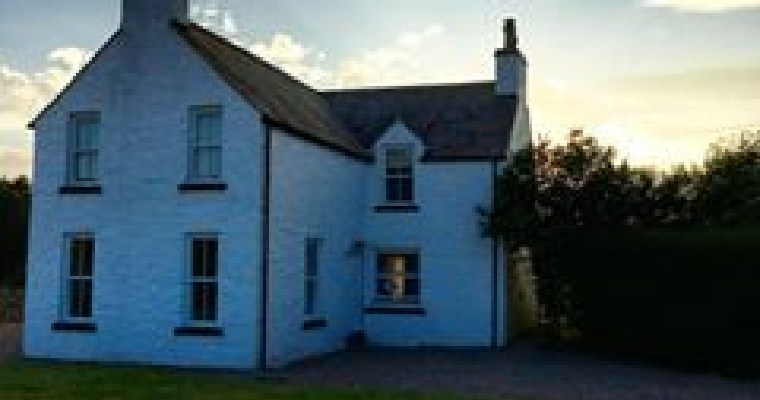 Dog Friendly Places to Stay in Dumfries and Galloway- Longhill Farmhouse.