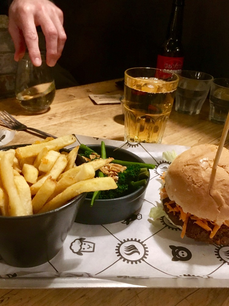 Burger Restaurants in Cambridge- SmokeWorks Review