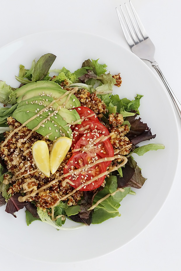 This is my Favorite Quinoa with Sweet Maple Tahini Sauce. It is simple and fast to make, perfect lunch or dinner. Vegan and gluten free. / TwoRaspberries.com