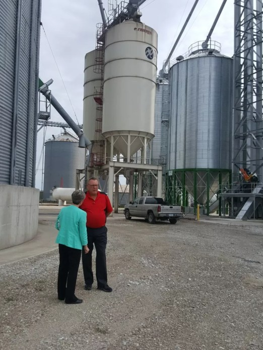 Senator Joni Ernst and Two Rivers General Manager Tracy Gathman