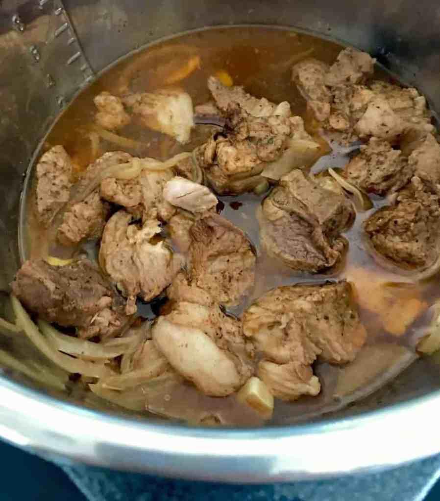 Pork carnitas in instant pot 898x1024 - Pork Carnitas - https://twosleevers.com