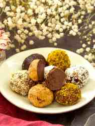 Easy Keto Chocolate Truffles