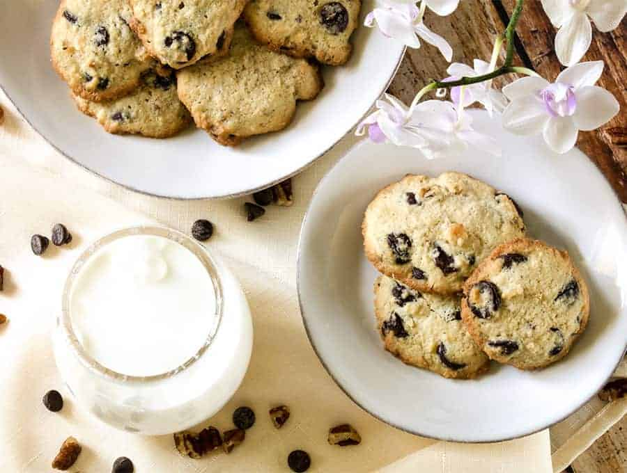 Keto Chocolate Chip Cookies Low Carb Dessert Two Sleevers