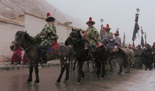 the procession moving through the monastery (3)