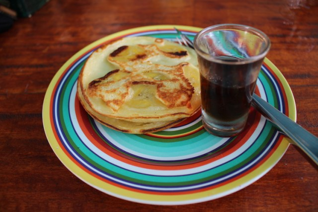 Banana-pancake-penida-espresso-Places-to-eat-in-Nusa-Penida