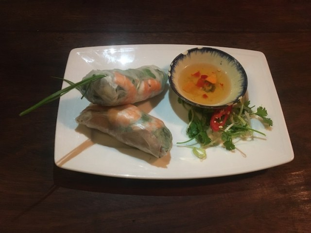 vietnamese-fresh-spring-rolls-foods-to-try-in-Vietnam-Two-Souls-One-Path