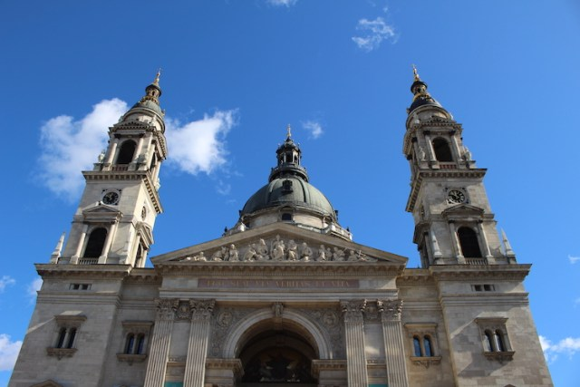 St-Stephens-Basillica-What-to-do-in-Budapest-Two-Souls-One-Path