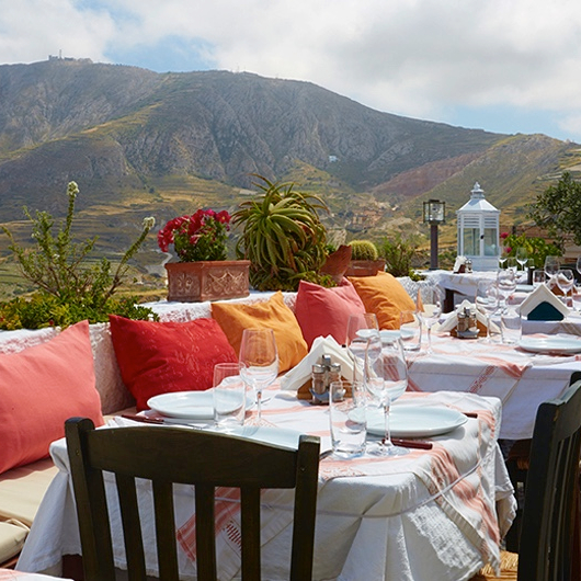 Holiday Santorini Travel Tip Itinerary Metaxi Mas Best Dinner Restaurant
