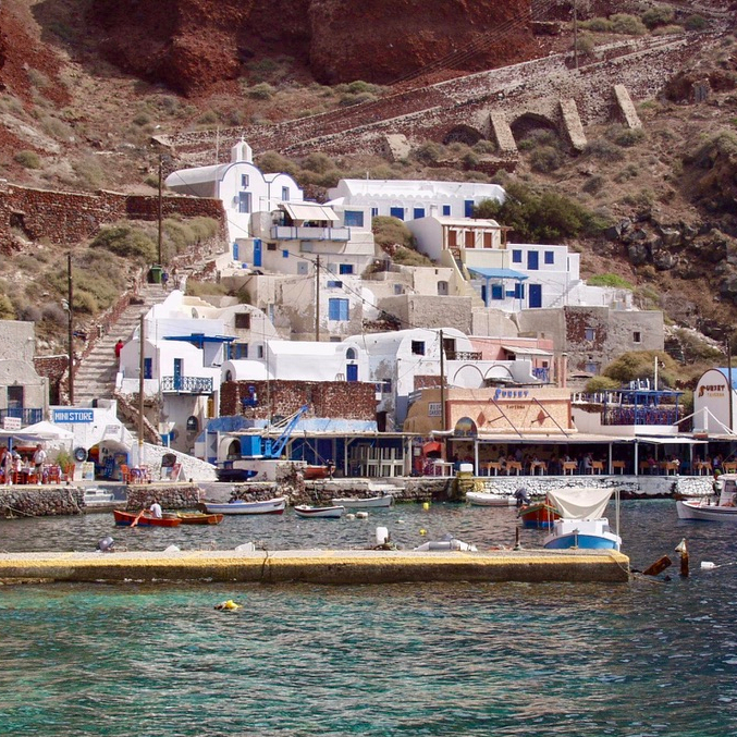 Holiday Santorini Travel Tips Itinerary Ammoudi Bay Oia
