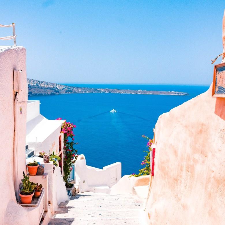 Off Peak Holiday Santorini Itinerary Travel Tips Oia Pathway