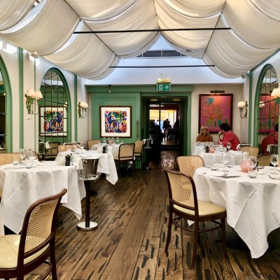 Daphne's Classic Italian Restaurant South Kensington Ambience