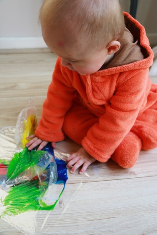 mess free painting, creativity, baby, painting with baby, painting with todler