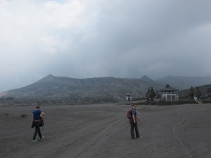 Heading over the Sea of Sand to Bromo