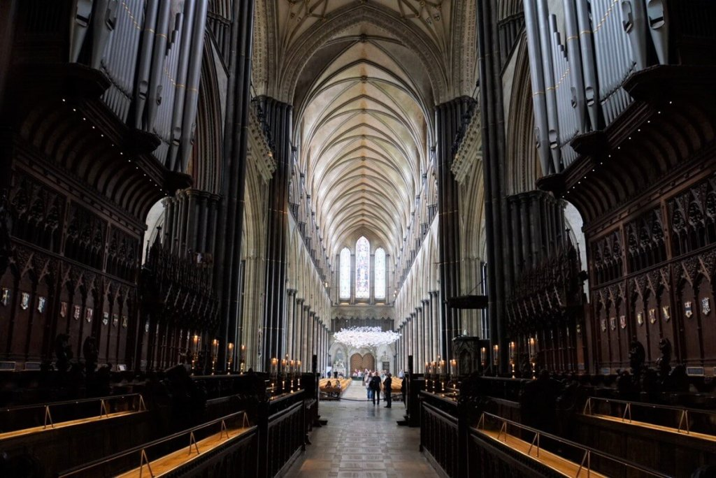 A view through the Quire into the Nave of Salisbury Cathedral. - Two Traveling Texans