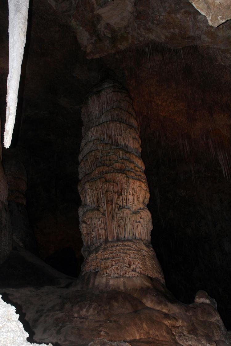Carlsbad Caverns NP, Big Room tour, giant dome.