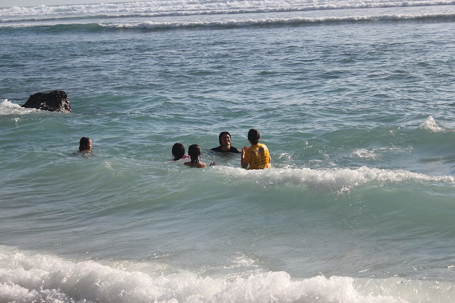 Visiting Bali with a 10-year-old boy: Suluban Beach: water fun