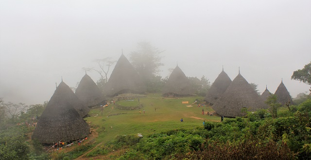 Two Worlds Treasures - Wae Rebo Village
