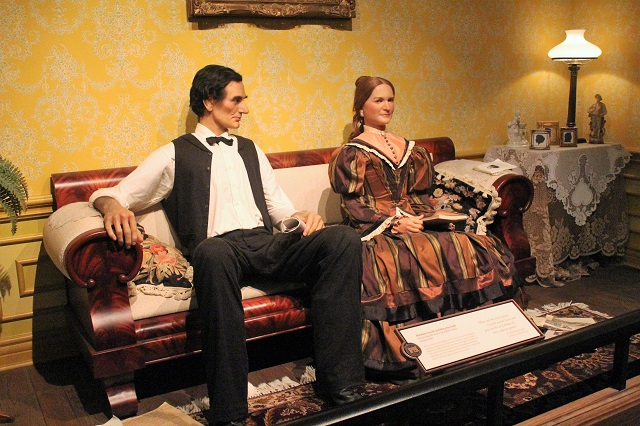 Abraham Lincoln Presidential Museum: courtship Mary: Two Worlds Treasures