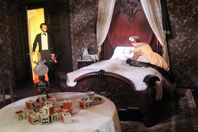 Abraham Lincoln Presidential Museum: The Death of Willie: Two Worlds Treasures