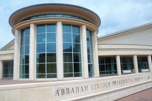 Abraham Lincoln Presidential Museum: Two Worlds Treasures
