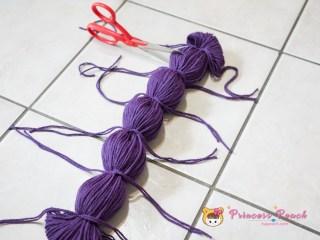 yarn Pom Pom DIY