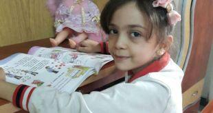 طفلة سورية تكشف مجازر حلب تويترياً