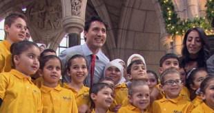 (أنتم هدية لنا).. أطفالٌ سوريون يغنُّون داخل البرلمان الكندي يثيرون إعجاب الكثيرين