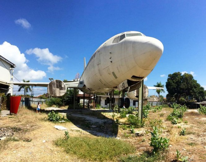 bali-honeymoon_abandoned-airplane-at-south-kuta