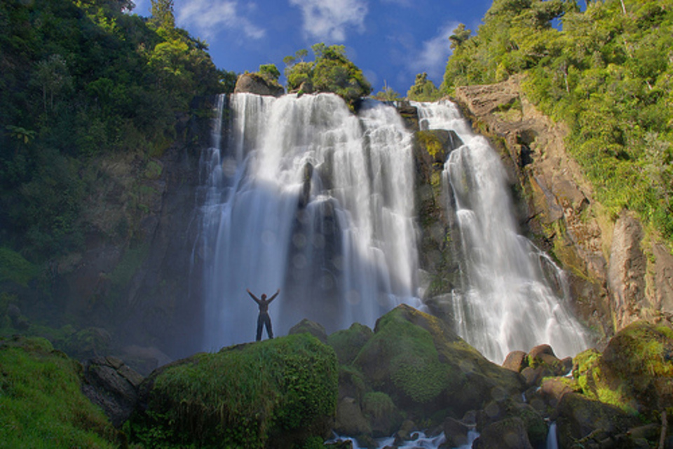 New Zealand Honeymoon Marokopa Falls