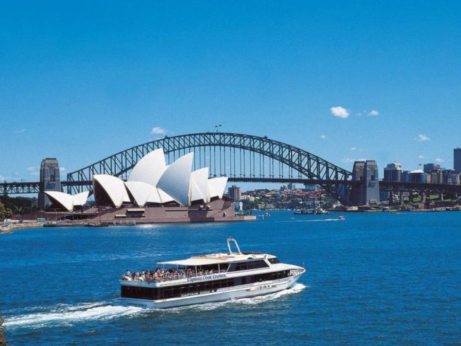 sydney-honeymoon-guide_grand-harbour-cruise