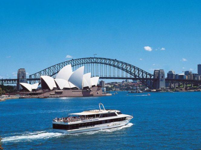 sydney-honeymoon-guide_grand-harbour-cruise