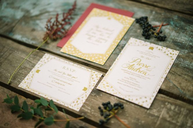 miraculove-geometric-gold-invitation-card