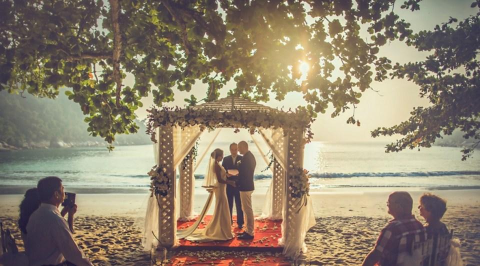 beach wedding venues malaysia - Pangkor Laut Resort - Edwin Tan Photography 2