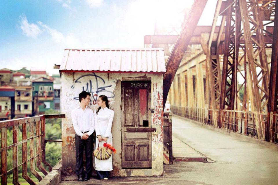 Honeymoon Guide Vietnam-Long Bien Bridge-eleganthanoi