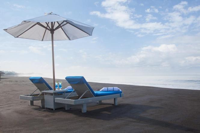 Wyndham Tamansari Jivva Bali Resort_Black Beach