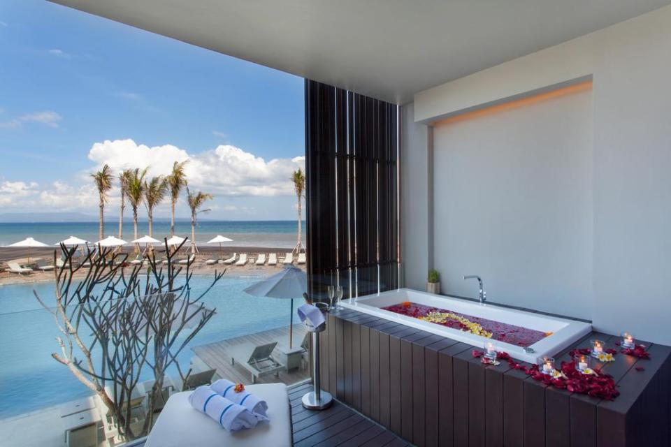 Wyndham Tamansari Jivva Bali Resort_Jaccuzi Suite