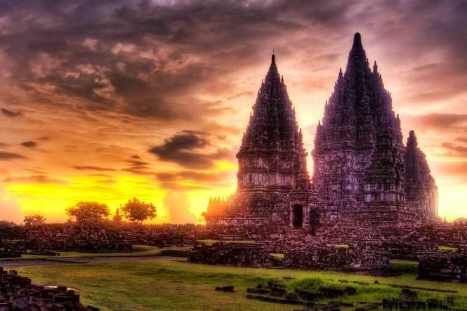 Yogyakarta Honeymoon - Prambanan Temple  - 7 Temples