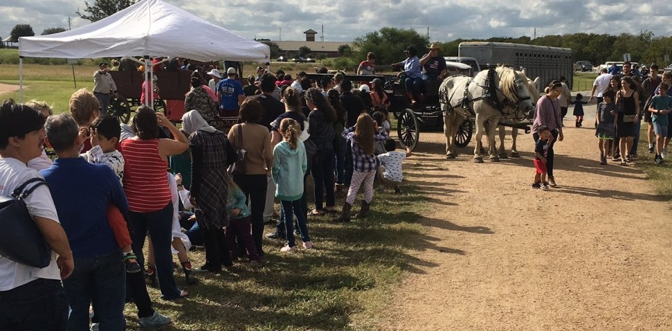 SNF 2018 LINE AT WAGON RIDE THURLEY