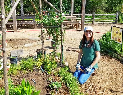 Jade working in hummingbird garden-resized-3-2019-LTrenta