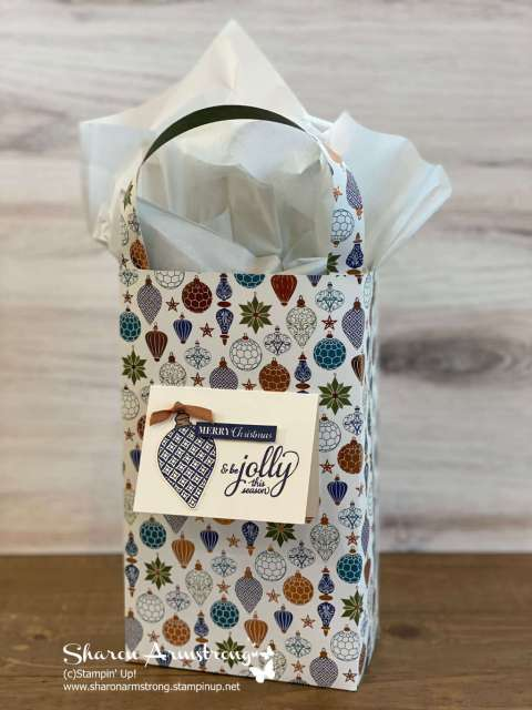 Don't forget to add a little tag to the front of your DIY gift bag.
