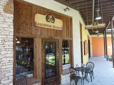 Lakeview Winery - outside