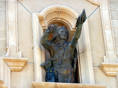 Cap*Rock - statue