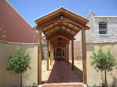 Wedding Oak Winery - courtyard