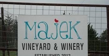 Majek Vineyard sign