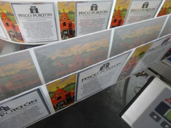 Pisco Portón double labels