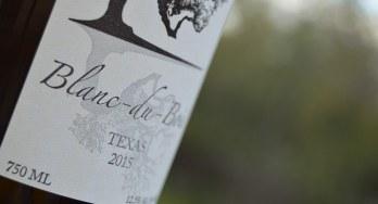 Bent Oak Winery Blanc du Bois bottle closeup