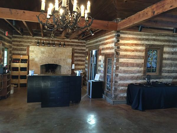 Armadillo's Leap Winery inside